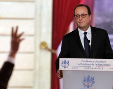 Hollande, balle au pied