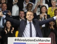 Macron: assassin du PS ou sauveur des socialistes?